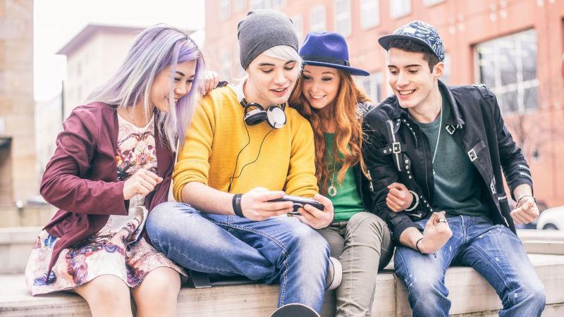 La importancia del grupo de iguales en la adolescencia